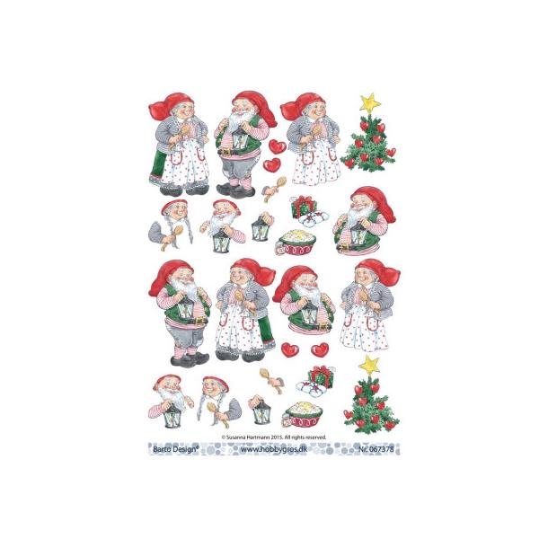Juledame og julemand med juletræ, risengrød, lampe, pakke og lygte