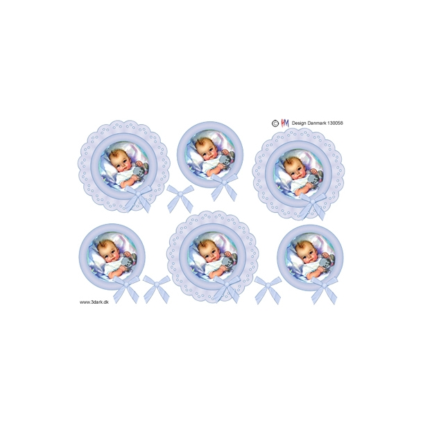 3D ark. Babydreng i lyseblå blondecirkel.